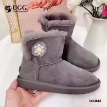 【国内发货】DK048珍珠饰扣时髦雪地靴 团购价:329 代理价:339